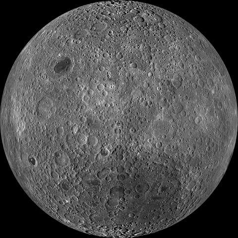 月の裏側画像