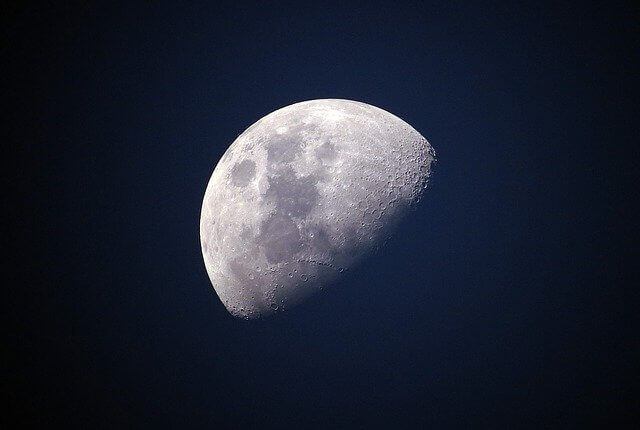 月イメージ画像